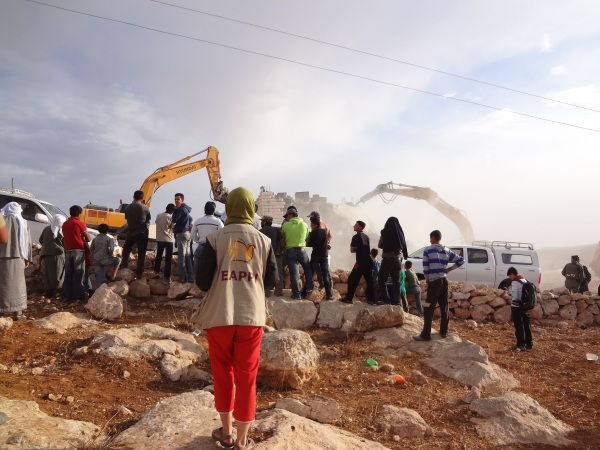 121106 An EA records the illegal demolition of a house in Ad Deirat R Smith