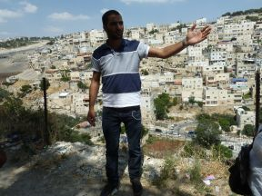 Mahmound Qaraeen gives us a tour of Silwan. Photo EAPPI/L. Sharpe.
