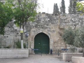 Lions gate closed