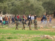R viney-Wood - Boys and soldiers outside As Sawiya school - 031214