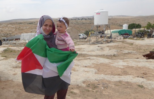 150514 P Moore Susiya people try to keep their spirits high despite of fears of eviction
