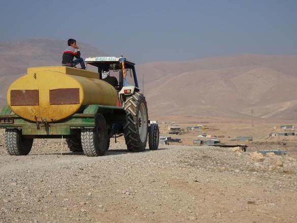 (PHOTO I) 21.12.15. North Jordan valley, Palestine. Palestinian fresh water tanker. Photo EAPPI/ P. Longden