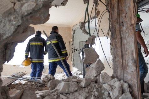 02.05.16. Nablus. demolitionare A. Photo EAPPI/B. Hellstrom
