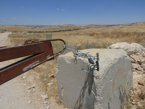 09.06.2016 South Hebron Hills, Road from Susiya padlocked, Photo EAPPI/M. Huff