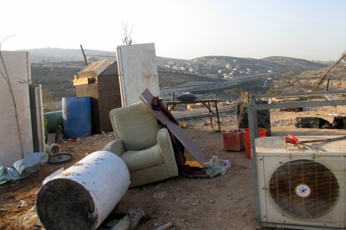 25.10.16, Beit Hanina, furniture outside demolished house, Photo EAPPI, Agustina G.